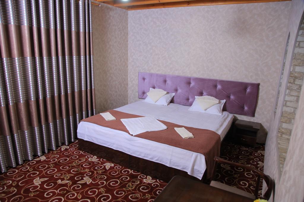Room 1297 image 31114