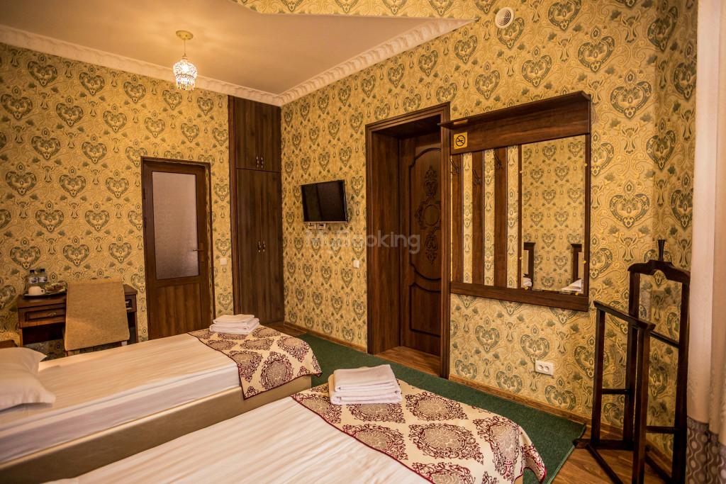 Room 1898 image 26607