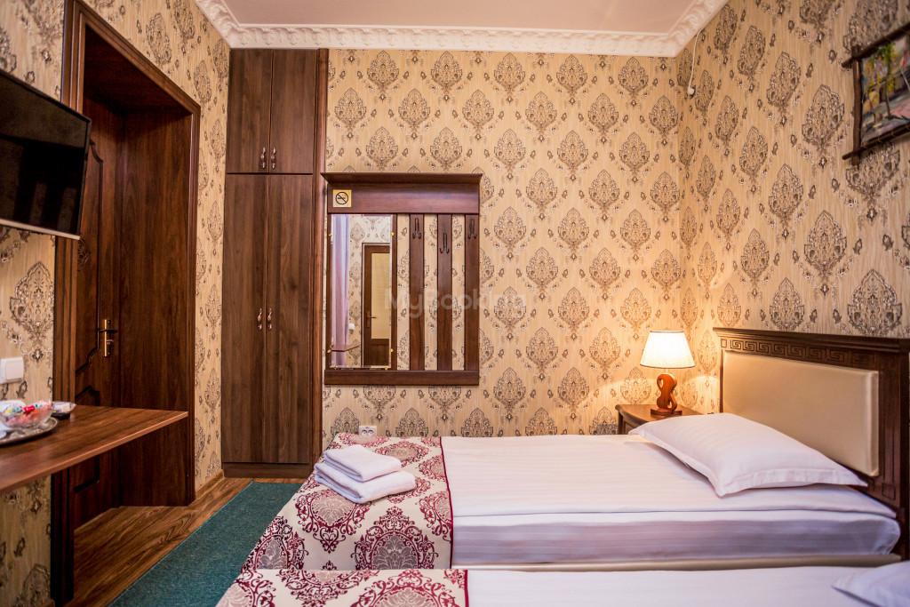 Room 1898 image 26623