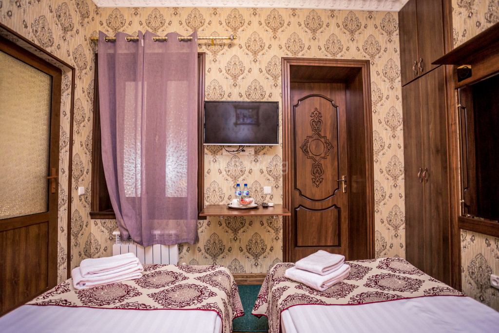 Room 1898 image 26624