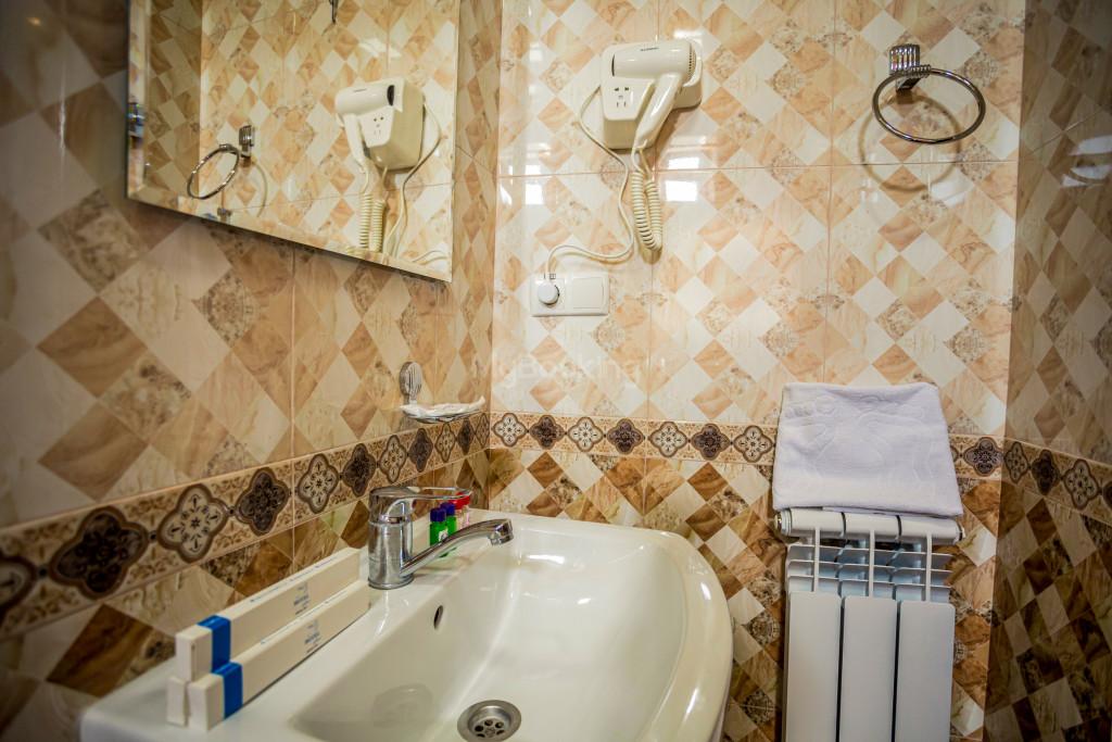 Room 1898 image 26631