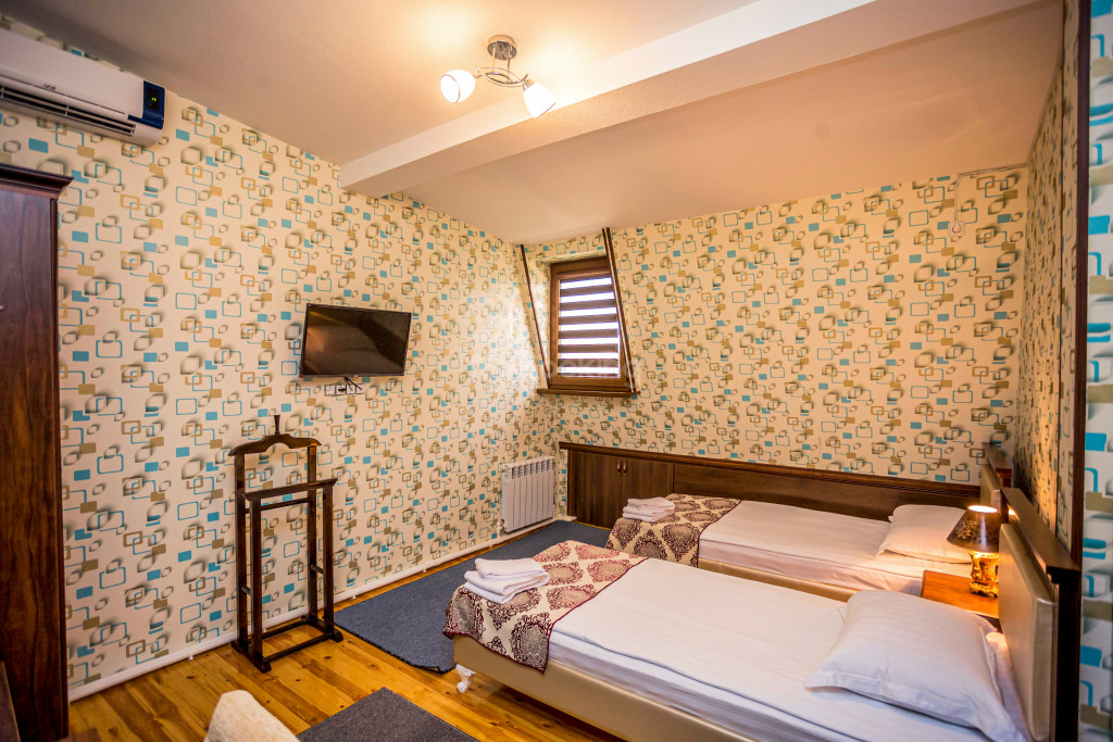 Room 1898 image 26639