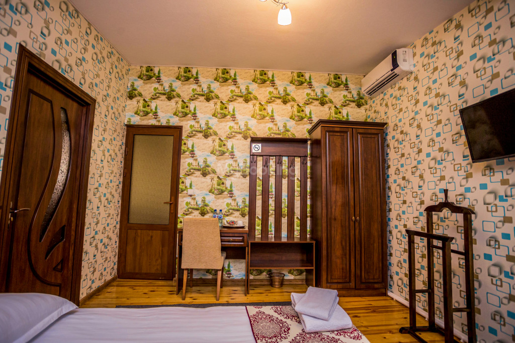 Room 1898 image 26648