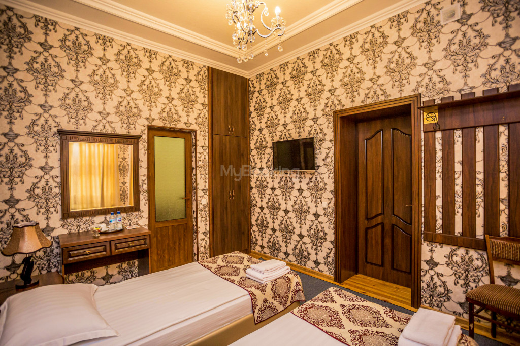 Room 1898 image 26671