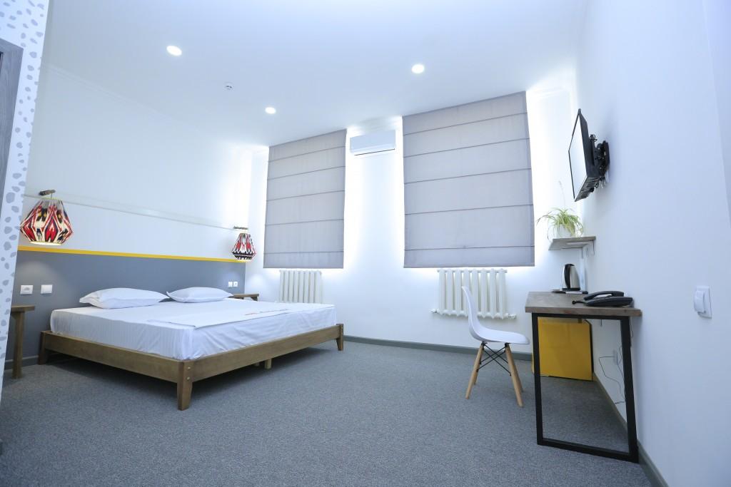 Room 1404 image 13494