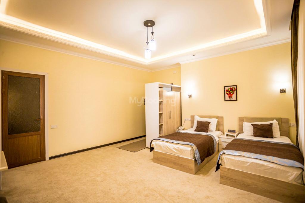 Room 1385 image 26514