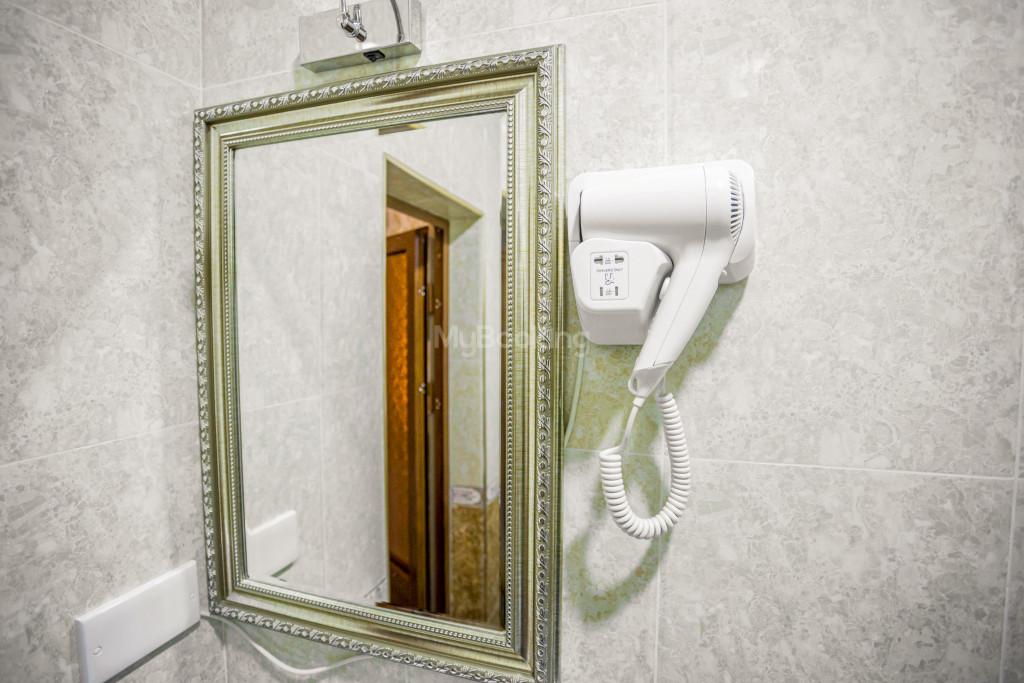 Room 1385 image 26529