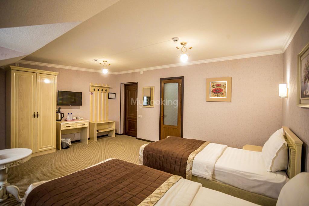 Room 1385 image 26533
