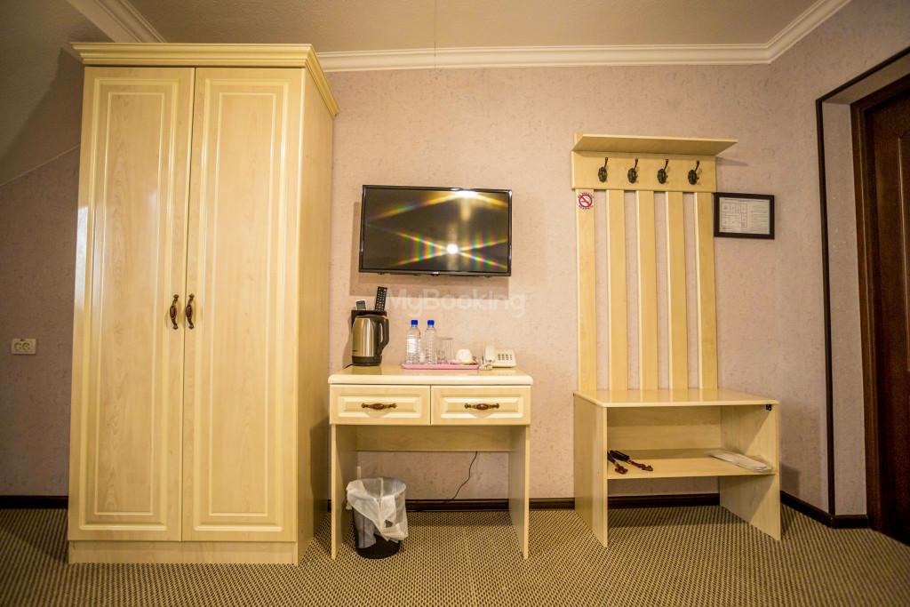 Room 1385 image 26534