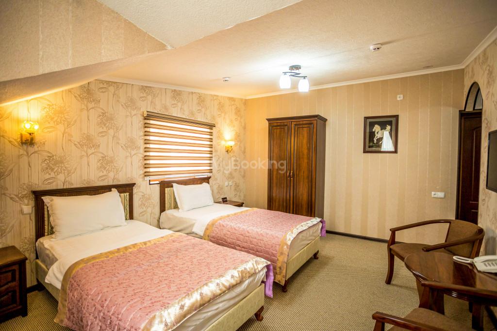 Room 1385 image 26543