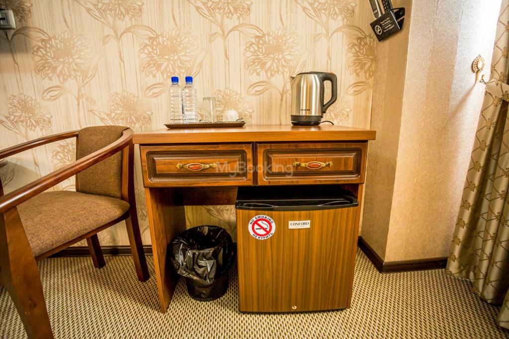 Room 1385 image 26544
