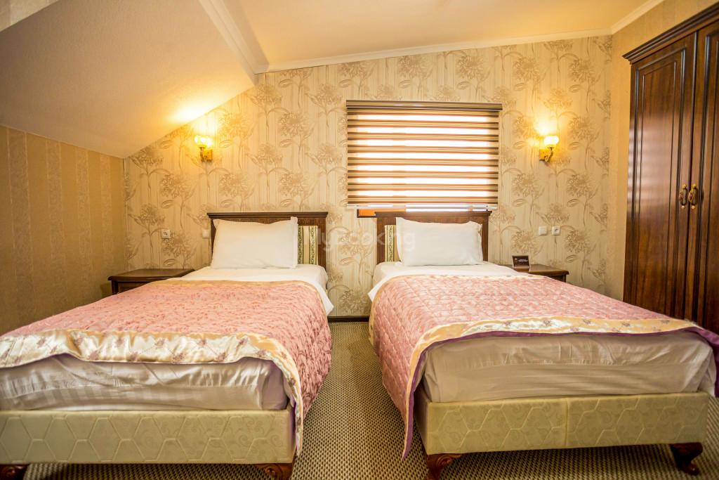 Room 1385 image 26545