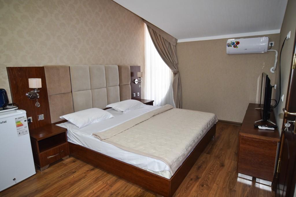 Room 1427 image 13517