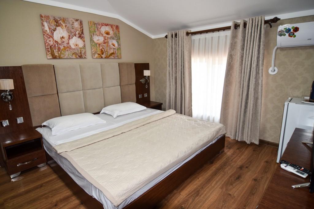 Room 1426 image 13530