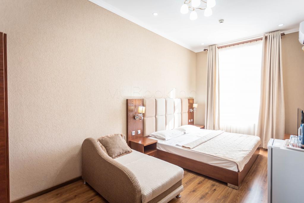 Room 1427 image 34299