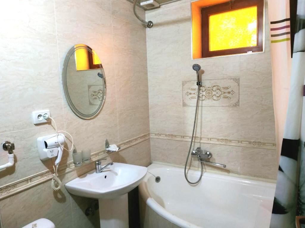 Room 1429 image 13553