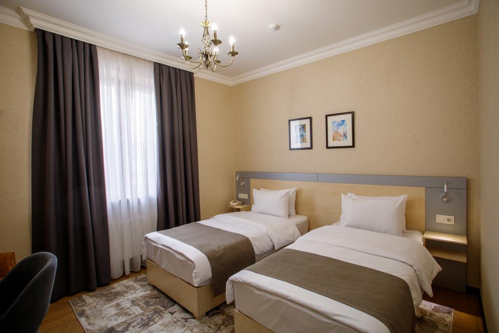 Room 1469 image 37057