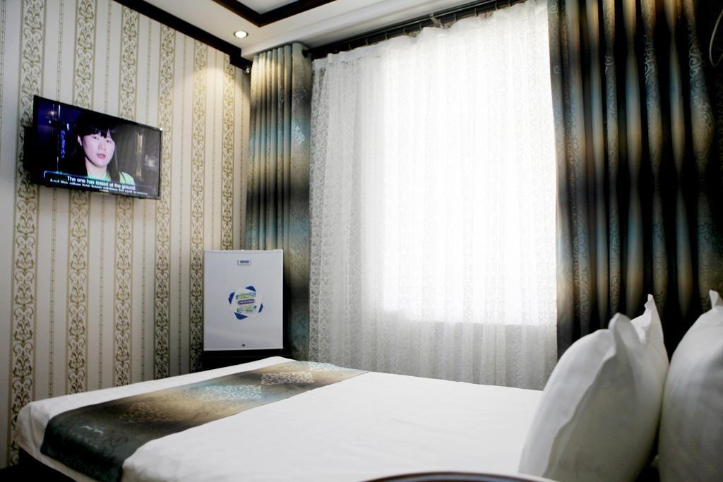 Room 1602 image 14814