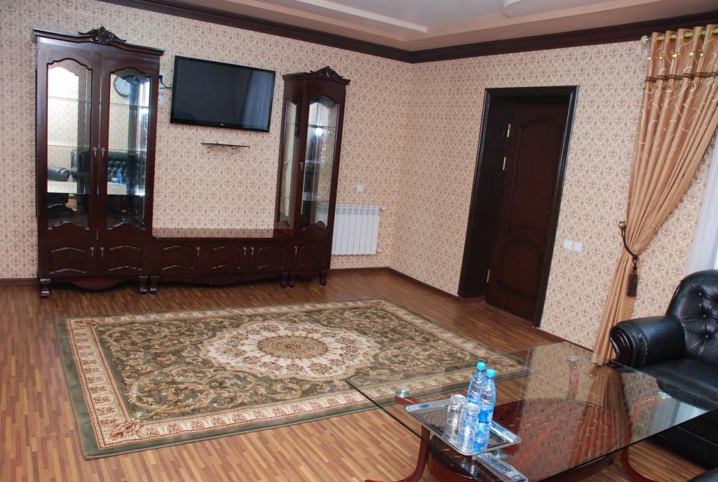 Room 1661 image 15360