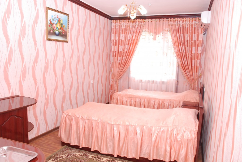 Room 1658 image 15365