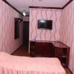 Room 1658 image 15374 thumb