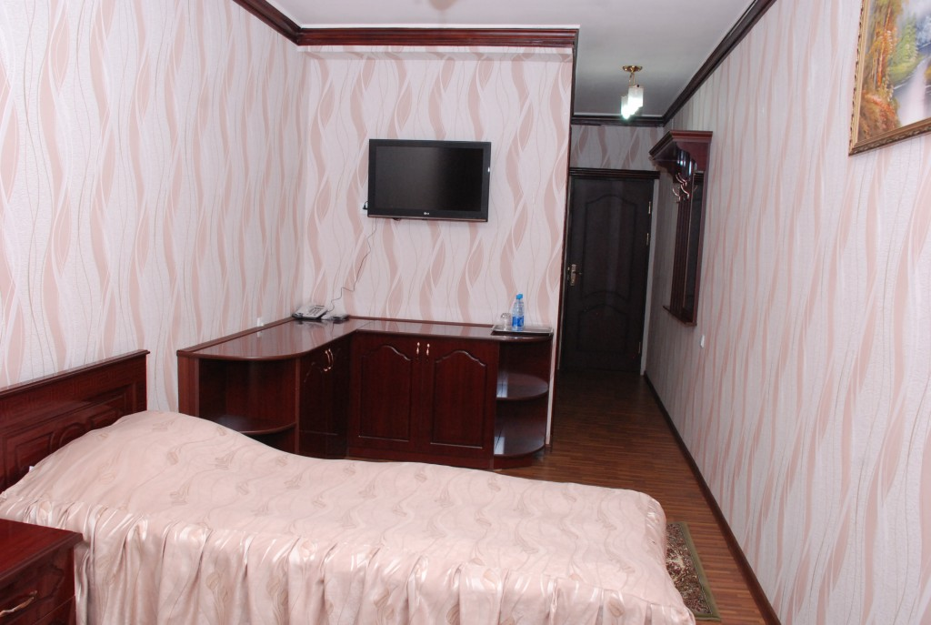 Room 1658 image 15375