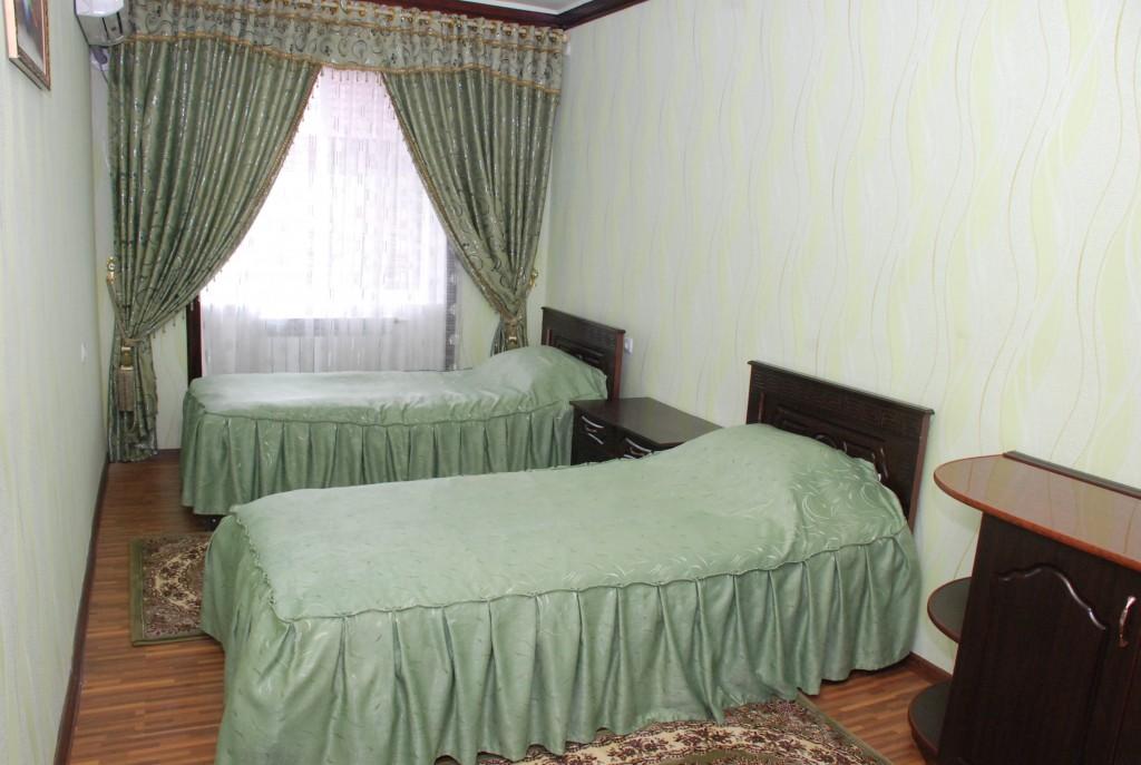 Room 1658 image 15377