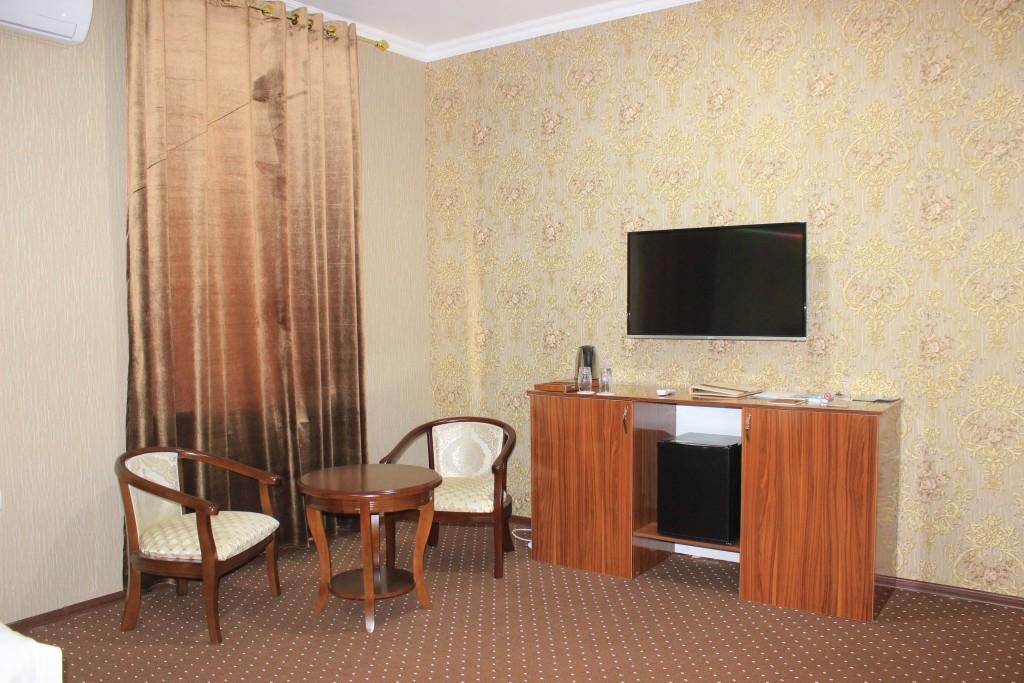 Room 1705 image 15611