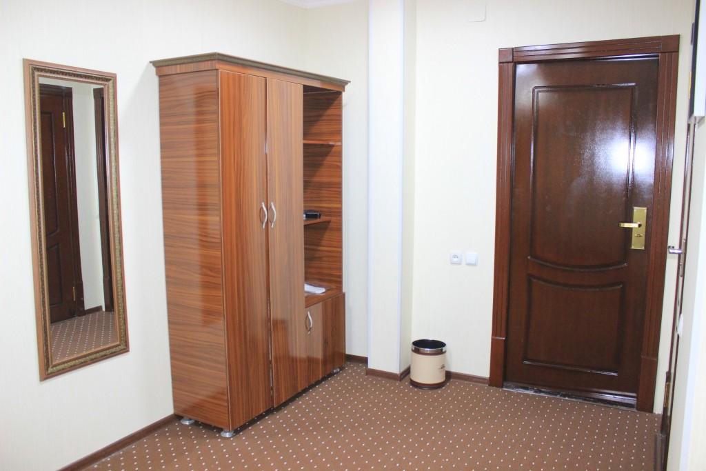 Room 1706 image 15618