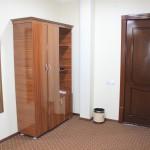Room 1706 image 15618 thumb