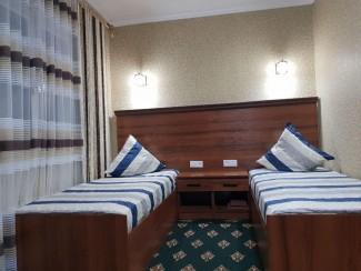 Status Guest House hostel - Image