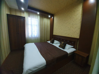 Status Guest House - Image