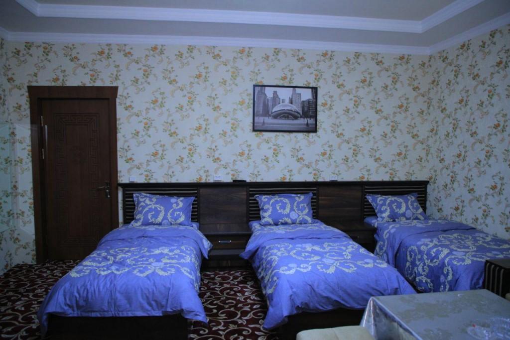 Room 1728 image 15729