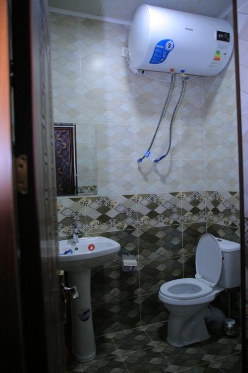 Room 1727 image 15745