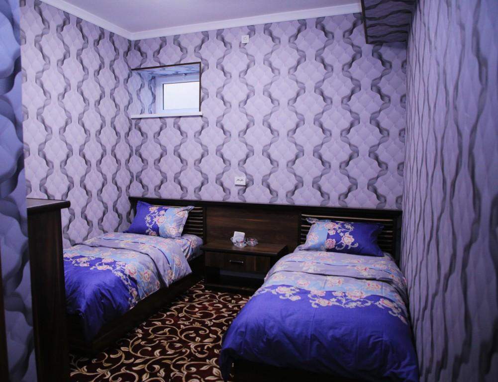 Room 1727 image 15770