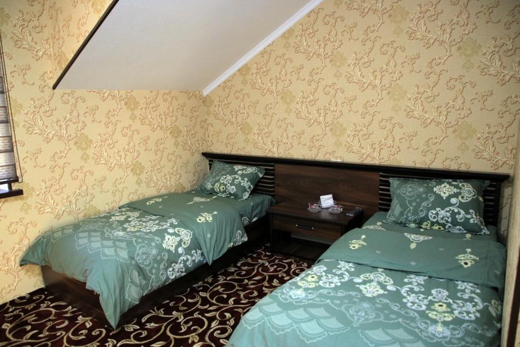 Room 1727 image 15774