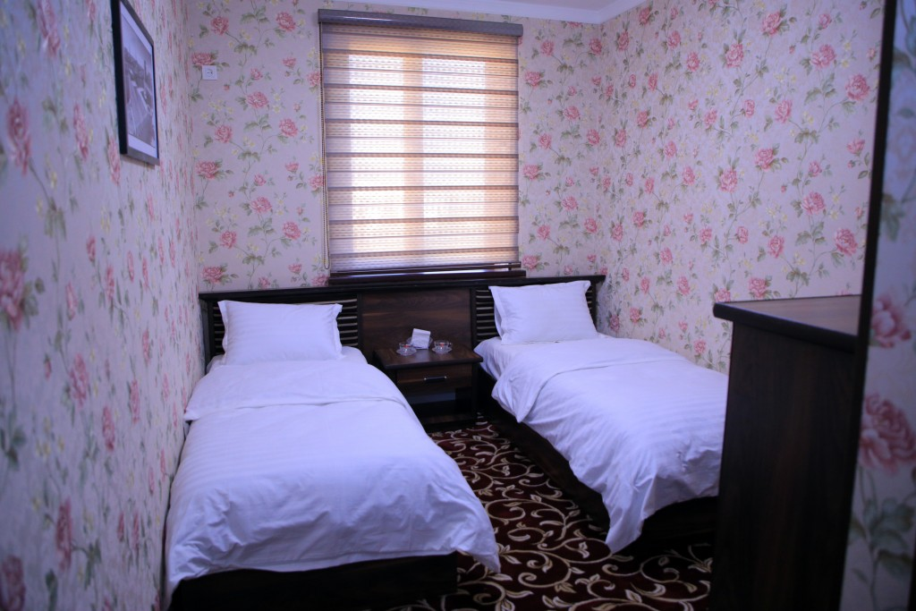 Room 1727 image 15775