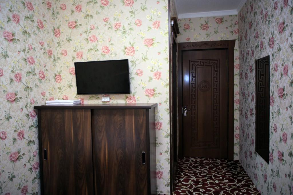 Room 1727 image 15776