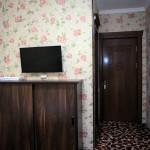 Room 1727 image 15776 thumb