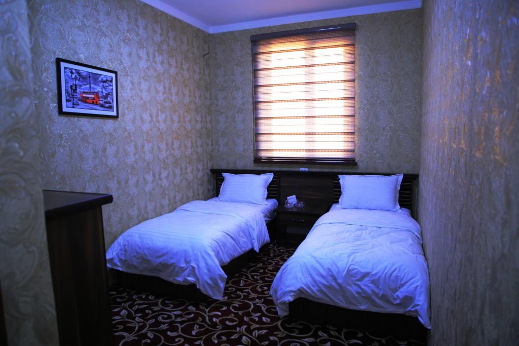 Room 1727 image 15778