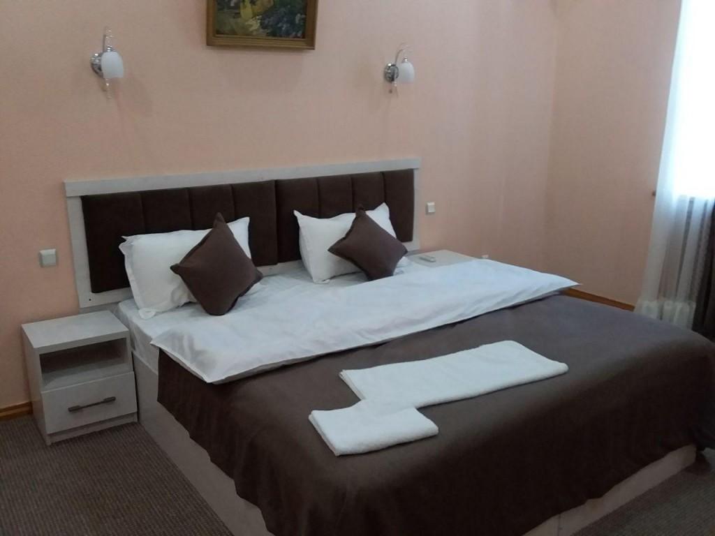 Room 1745 image 15849