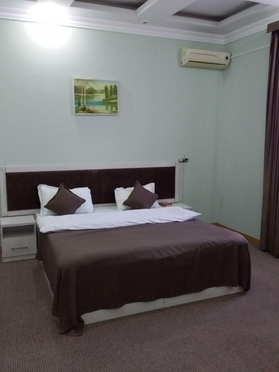 Room 1743 image 15851