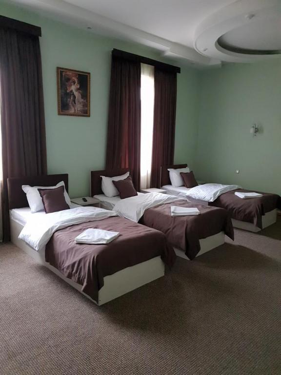 Room 1746 image 25318