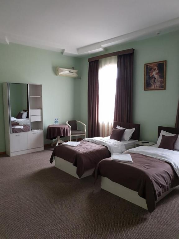 Room 1746 image 25319