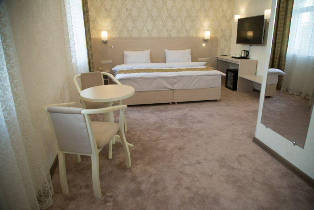 Room 1833 image 16600