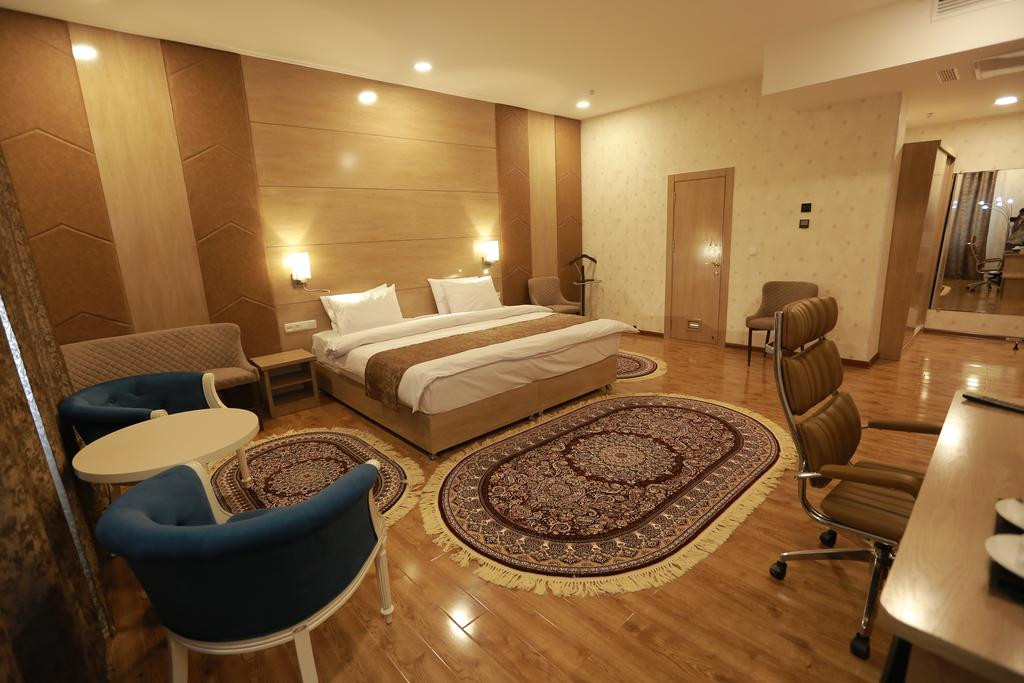 Room 1837 image 30370