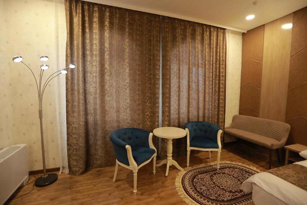 Room 1837 image 30371