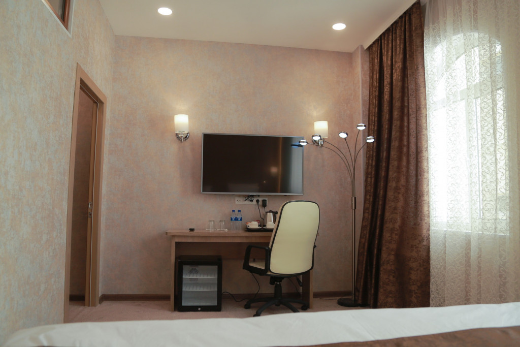 Room 1836 image 37332