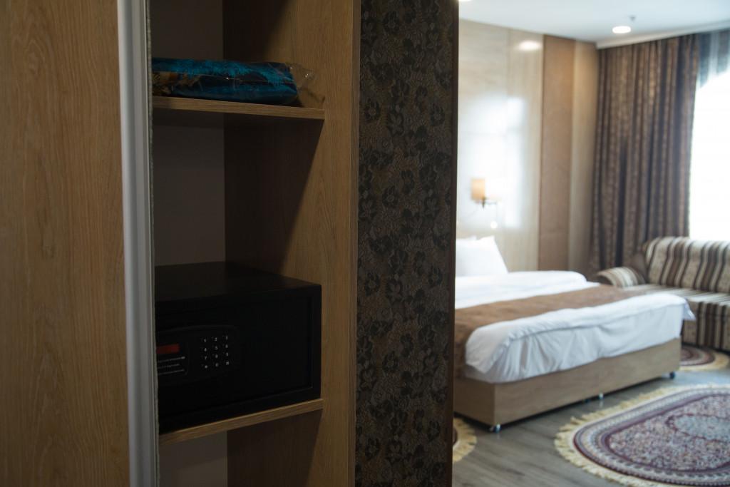 Room 1837 image 37335