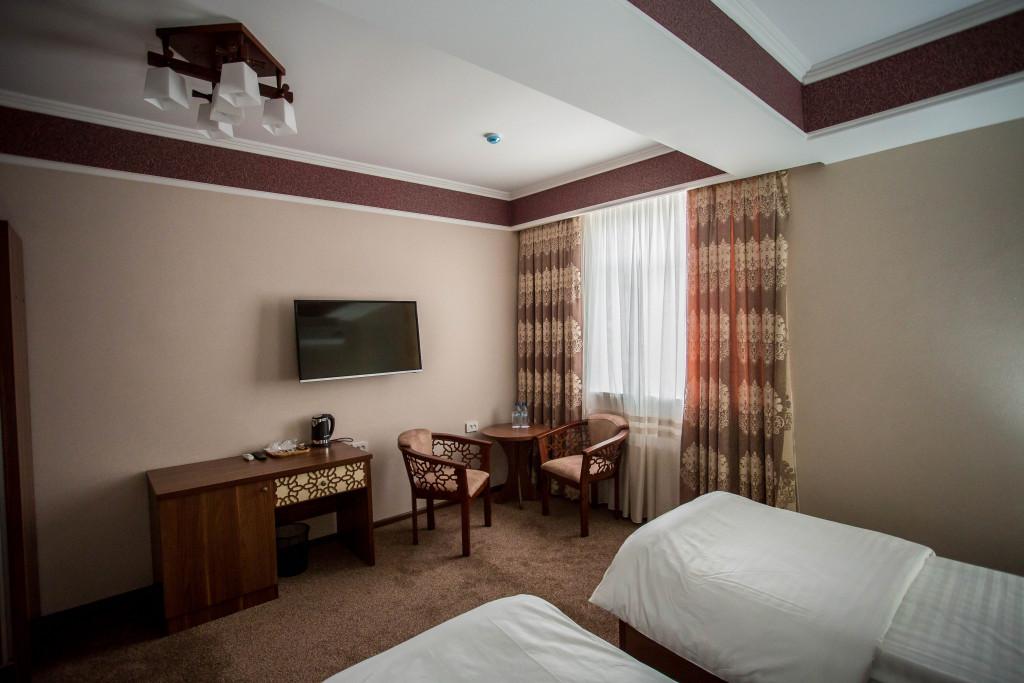 Room 1908 image 16643